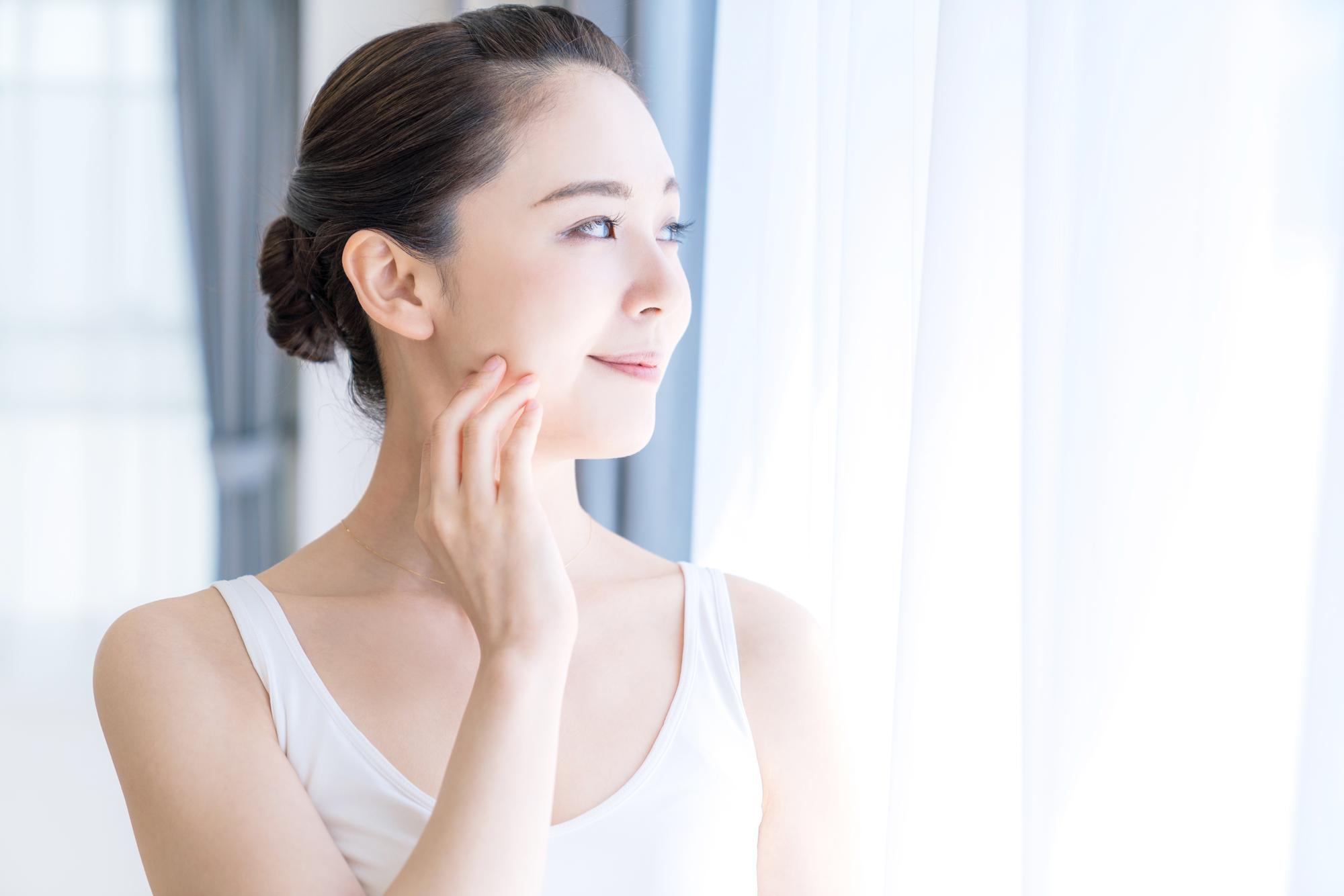 美白化粧水おすすめ12選!シミ対策、ニキビ跡に効果的な化粧水は?