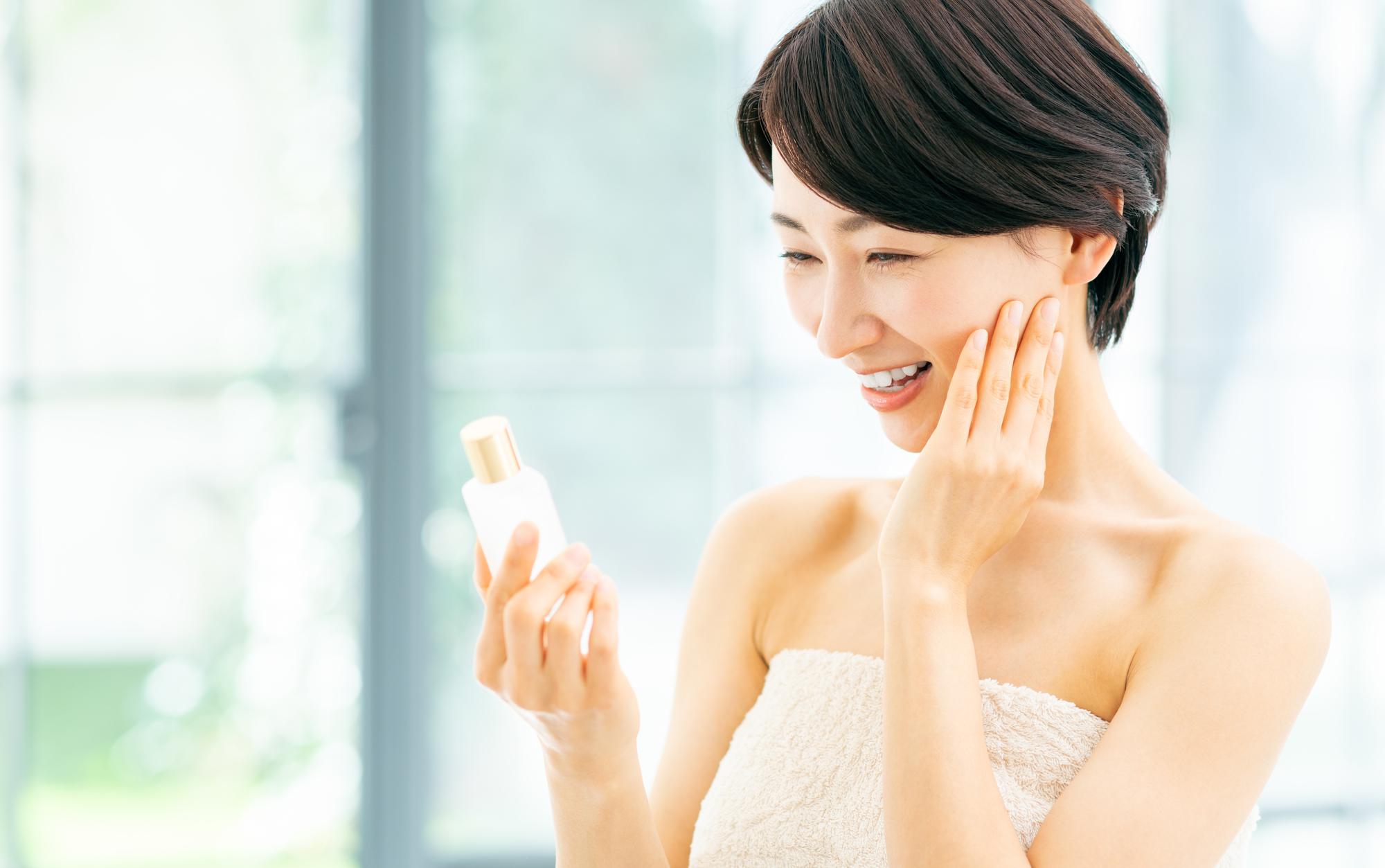 ビタミンC誘導体化粧水おすすめ10選|毛穴・ニキビ跡の悩みや美白ケアに