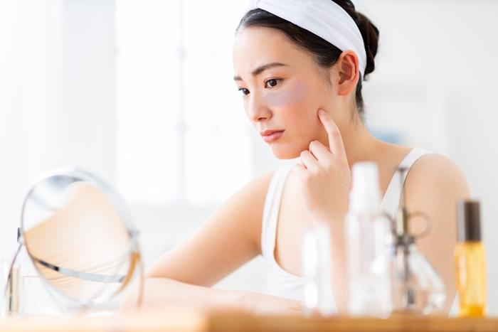 肝斑改善に効果的な飲み薬とおすすめ化粧品|内外からのケアで解決へ